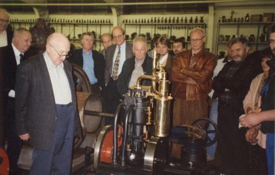 1996  116 Hochhut